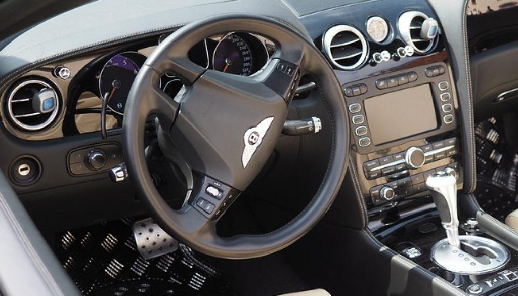 automobile-3415704_640